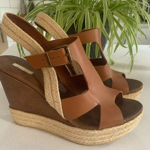 Leather and jute platform sandals size 40.